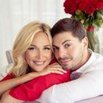 Виктория Лопырева поделилась снимком с новорожденным сыном и своим возлюбленным Игорем Булатовым